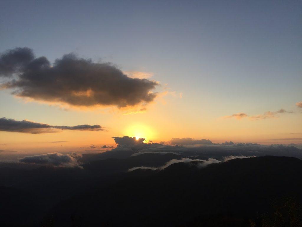 夕焼け 信州の山